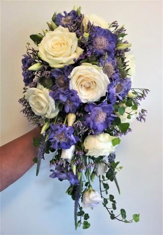 Brudbukett vitt och lila